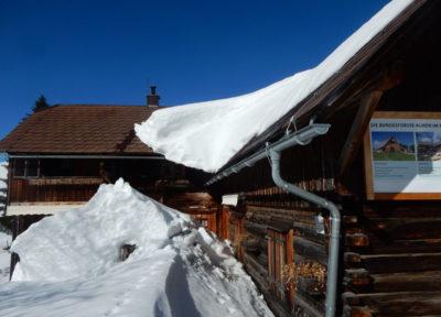 Die eingeschneite Hütte