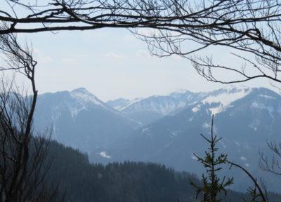 Ausblick vom Gipfel nach Westen zum Burgspitz